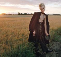 Фотограф Тим Уолкер снял фотосерию для W Magazine