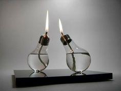 Lámpara de gas con bombillas usadas.