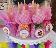 Mesa de dulces Masha y el oso