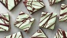 Get a double dose of mint! Cool mint chips flavor these brownies, and a mint-chocolate glaze generously highlights the top. Chocolate Mint Brownies, Mint Chocolate Chip Cookies, Chocolate Glaze, Chocolate Lovers, Chocolate Desserts, Chocolate Art, Fudge Brownies, Delicious Desserts, Dessert Recipes