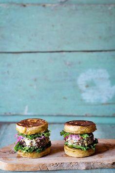 intensefoodcravings:  Quinoa Burgers with Chickpea Burger Buns