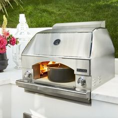 Let this outdoor pizza oven do more for you than just make a Napoli style pizza! From baking, to searing, this powerful outdoor oven is a staple addition to every backyard kitchen and grilling space! Portable Pizza Oven, Pizza Oven Outdoor, Outdoor Cooking, Backyard Kitchen, Outdoor Kitchen Design, Outdoor Kitchens, Patio Design, Backyard Patio, Outdoor Spaces