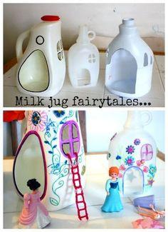 Crie diversão para a sua família com um #upcycle de garrafas de leite em casinhas para bonecas! www.eCycle.com.br Sua pegada mais leve.