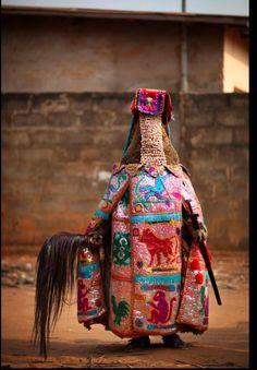 Voodoo ceremony in OUIDAH, BENIN                                                                                                                                                      もっと見る