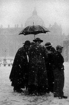 Leonard Freed, Winter at the Vatican, Rome, 1958