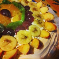 #Torta #pavlova pronta!! Buon #pranzo a tutti i #fan da #ricettelastminute ☺️ #love #food #instapic #instacool #instafood #instagood #instaphoto #italia #italy #sicilia #sicily #catania #me #cake #frutta #uva #banana #banane #kiwi