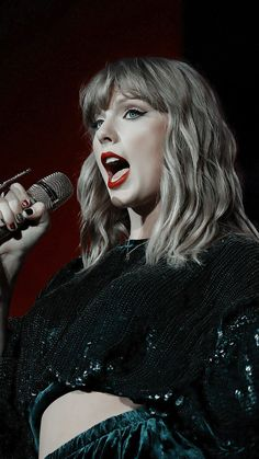 Taylor Swift Music, Taylor Swift Hot, Swift 3, Red Taylor, Taylor Swift Wallpaper, Taylor Swift Pictures, Queens, Celebs, Singer