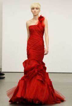 Vermelho é a cor da sorte: colecção de vestidos de noiva Vera Wang 2013 - Clique para ler o post