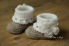 Crochet baby booties baby shoes boots size newborn by editaedituke