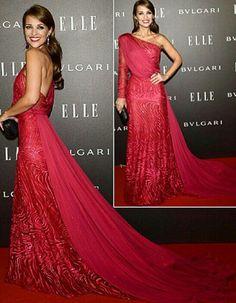Zuhair murad. Haute couture. Paula echevarria. Blogger. Actress. Red dress. Bulgari. Elle. Stuning. Awesome. Gorgeus. Award.