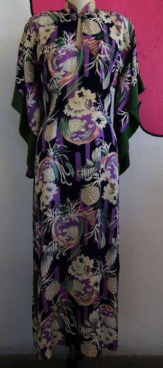 VTG 1940s Kamehameha Novelty Tiki Print Silk Hawaiian Dress Kimono Sleeves Pinup #KamehamehaStyledinHawaii