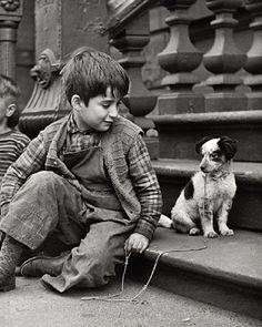 Foto Vintage Dog, Vintage Children, Vintage Black, Retro Vintage, Black White Photos, Black And White Photography, Vintage Pictures, Old Pictures, Mans Best Friend