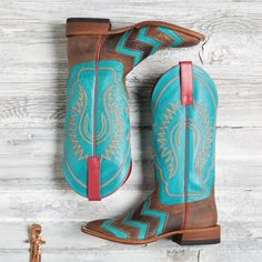 Macie Bean brown and turquoise chevron boots Source by horsesandheels boots Cowboy Boots Women, Cowgirl Boots, Cute Shoes Boots, Women's Shoes, Macie Bean Boots, Barn Boots, Cowboy Boots Square Toe, Country Style Outfits, Turquoise Chevron