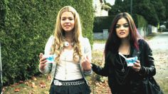 Alison Dilaurentis and Aria Montgomery Pretty Little Liars Season 1 Episode 1 Pilot