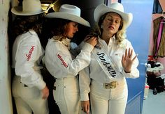Miss Rodeo Texas Pageant Rodeo Queen, Southern Girls, Wrangler Jeans, Future Wife, Photojournalism, These Girls, Color Photography, Pageant, Cowboy Hats