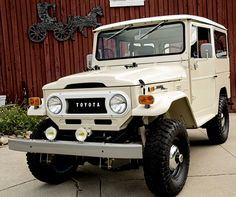 toyota-land-cruiser-1972-4×4-fj40-frame-off-restoration-cream-b | Land Cruiser Of The Day!