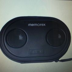 Memorex ML310BK Portable Speaker Case This Memorax speaker case plays all favorite music while snugly protecting your music player or phone . Works with iPhone, iPod, and android . Works with 4 Asa batteries. ( not included) Memorex Other