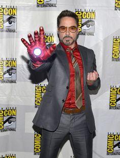 Just Robert Downey Jr. wearing Iron Man glove at Comic Con 2012, Epic!!