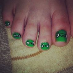 Angry Bird Pig/ Toes