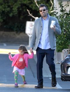 #BenAffleck is so handsome. See pics of his breakfast outing with Seraphina.