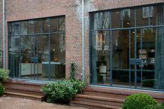 Stalen kozijnen in achtergevel, J.J. Viottastraat   Kodde Architecten