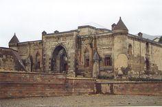 Türkiye'deki Han ve Kervansaraylar Turkey Photos, Public Service, Homeland, The Locals, Notre Dame, Barcelona Cathedral, Istanbul, Villa, History