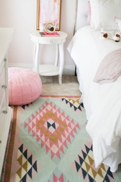 Love this rug! Color inspiration!
