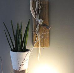 Inspirational WD Altes Eichenholz als Wanddeko Altes Holz bearbeitet und nat rlich dekoriert mit einer Edelstahlkugel