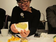 How to eat Mikan Oranges