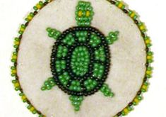 How To Make a Beaded Rosette Medallion - Craft Tutorials - Native American Pow Wows This project will help you learn to do applique rosettes on a small project. Beaded medallion necklaces have been popular for both men and women dancers Native Beading Patterns, Beadwork Designs, Bead Embroidery Patterns, Seed Bead Patterns, Beaded Jewelry Patterns, Beaded Embroidery, Weaving Patterns, Bead Jewelry, Knitting Patterns