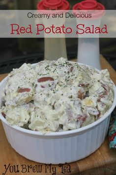 For a great BBQ side dish, or favorite choice with burgers this Creamy Red Potato Salad is an ideal choice! This version includes eggs, but is super easy to adapt to your taste preferences! salad Creamy and Delicious Red Potato Salad Easy Potato Salad, Potato Salad With Egg, Redskin Potato Salad, Sour Cream Potato Salad, Chilli Potato, Ranch Potato Salad, Potato Onion, Potato Hash, Loaded Potato