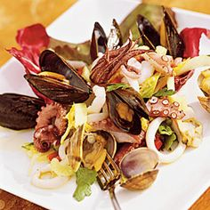 Learn how to make Frutti di Mare. MyRecipes has tested recipes and videos to help you be a better cook. Mussels Seafood, Seafood Diet, Seafood Salad, Fresh Seafood, Steamed Mussels, Tilapia, Fresh Lemon Juice, Fun Cooking, Gourmet