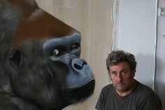 A  l`atelier-gorille-dos-argenté