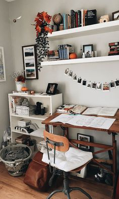 √ 42 Free DIY Bedroom Desk Ideas You Can Make Today. Bedroom Desk With Storage. These free DIY bedroom desk plans will give you everything you need to successfully build a desk for your office or any other space in your home. Bedroom Desk, Bedroom Inspo, Room Decor Bedroom, Dorm Room, Bedroom Office, Design Bedroom, Master Bedroom, Shelves For Bedroom, Mirrored Bedroom
