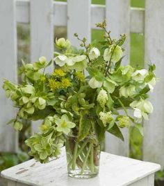 apple green  arrangement for wedding