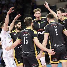 Trzeci mecz w tym sezonie i trzecie zwycięstwo naszej drużyny!  ONICO – PGE Skra 1:3 (19:25, 21:25, 25:21, 16:25)  MVP - nie mogło być inaczej - @mariusz_wlazly_official_insta   Jak wrażenia po meczu? ✍ #zwycięstwo #TeamSkra #goSkra #SkraOnTour #PlusLiga #volleyball  @piotrowskipawel_