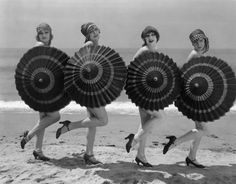 Bathing beauties, 1930s. http://designyoutrust.com/wp-content/uploads/2012/12/Vintage-Bathing-Beauties-Belles-from-Late-19th-Century-to-1930s-34.jpg
