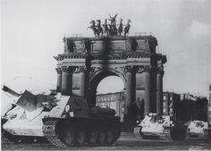 SU-122 ,Leningrad
