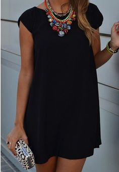 Women's fashion | Loose black dress and statement necklace