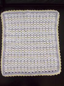 Dekentje voor poppenbedje (met link naar gratis patroon) / blanket for doll (with link to free pattern) Baby Blanket Crochet, Crochet Baby, Baby Crafts To Make, Baby Girl Drawing, Baby Gift Wrapping, Crochet Costumes, Boy Onesie, Baby Born, Free Pattern