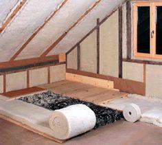 """""""Holz und Wolle geben warm"""" so sagt man schon seit Jahrhunderten. Langsam besinnen sich wieder viele Häuslebauer bei der Dämmung auf natürliche Produkte."""