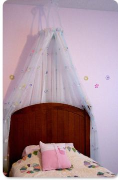 DIY Bedroom Furniture :DIY Canopy Bed : easy dream-bed DIY : country living canopy bed