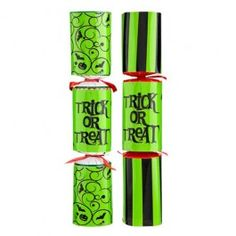 Make sure your Halloween party goes out with a bang with these pack of 5 novelty crackers. Halloween Party Decor, Halloween Fun, Crackers, Packing, Tableware, How To Make, Bag Packaging, Pretzels, Dinnerware