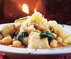 Potaje de garbanzos con huevos y bacalao #recipes #cuisine
