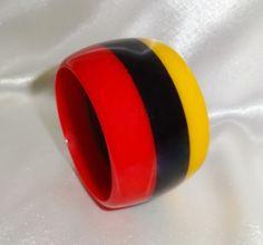 Vintage Wide Red Black and Gold Laminated Lucite Bangle Bracelet