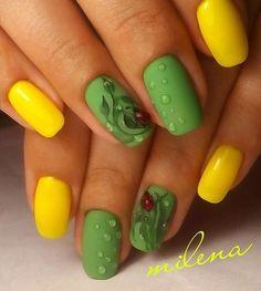 Top 150 ideas for Yellow Nail art designs - Reny styles Yellow Nails Design, Yellow Nail Art, Green Nails, Christmas Manicure, Christmas Nail Art, Pedicure Colors, Morphe, Nail Decorations, Beautiful Nail Art