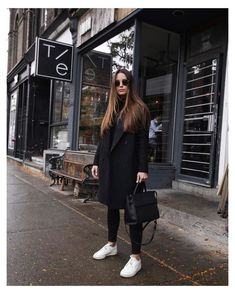 black and white sneakers women outfit