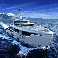 Dynamiq Unveils Global 330 Explorer Yacht