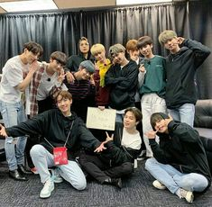 Q: Who's your bias wrecker from bts and txt? Comment down below … – Kpop Magazine Jimin 95, Chicago Concerts, Fandom Kpop, Foto Bts, Bts Group, Taekook, Bias Wrecker, Bts Wallpaper, First Night