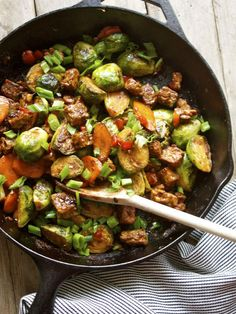 15 Minute Brussels Sprout Tempeh Stir-Fry [In Pursuit of More] simple recipes Stir Fry Recipes, Veggie Recipes, Whole Food Recipes, Vegetarian Recipes, Cooking Recipes, Healthy Recipes, Simple Recipes, Vegetarian Protein, Healthy Protein